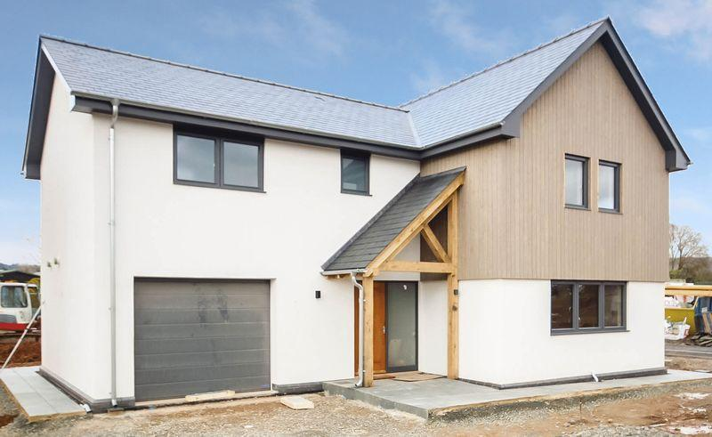 4 Bedrooms Detached House for sale in BURGHILL