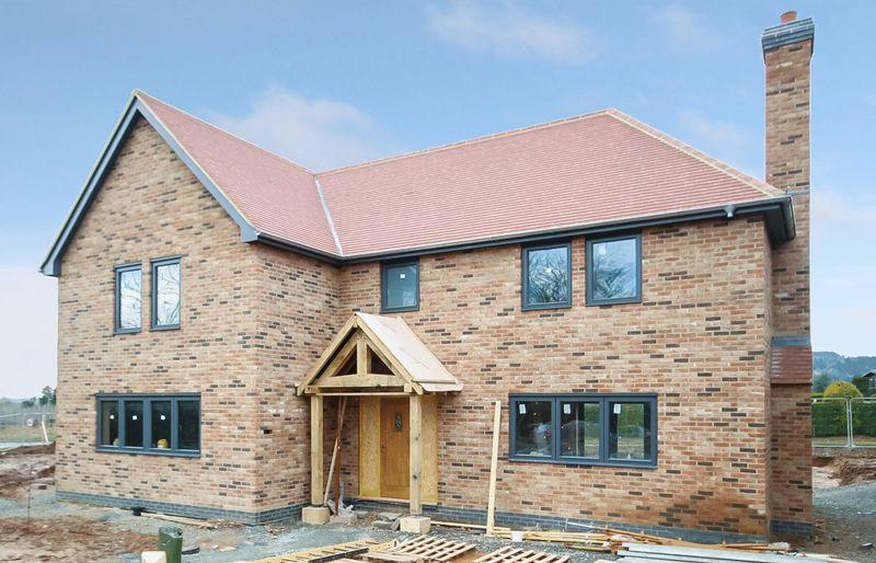5 Bedrooms Detached House for sale in BURGHILL