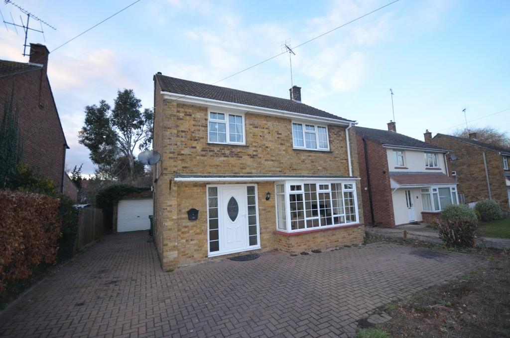 3 Bedrooms Detached House for sale in Luard Way, Witham, CM8 1DE
