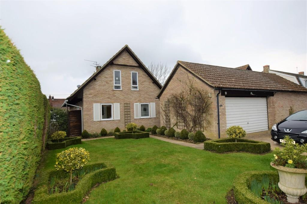 4 Bedrooms Detached House for sale in Nicholson Court, Newton, CO10 0YA