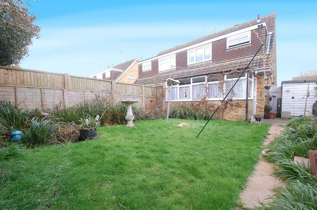 3 Bedrooms Semi Detached House for sale in Grove Park Avenue, Sittingbourne, ME10