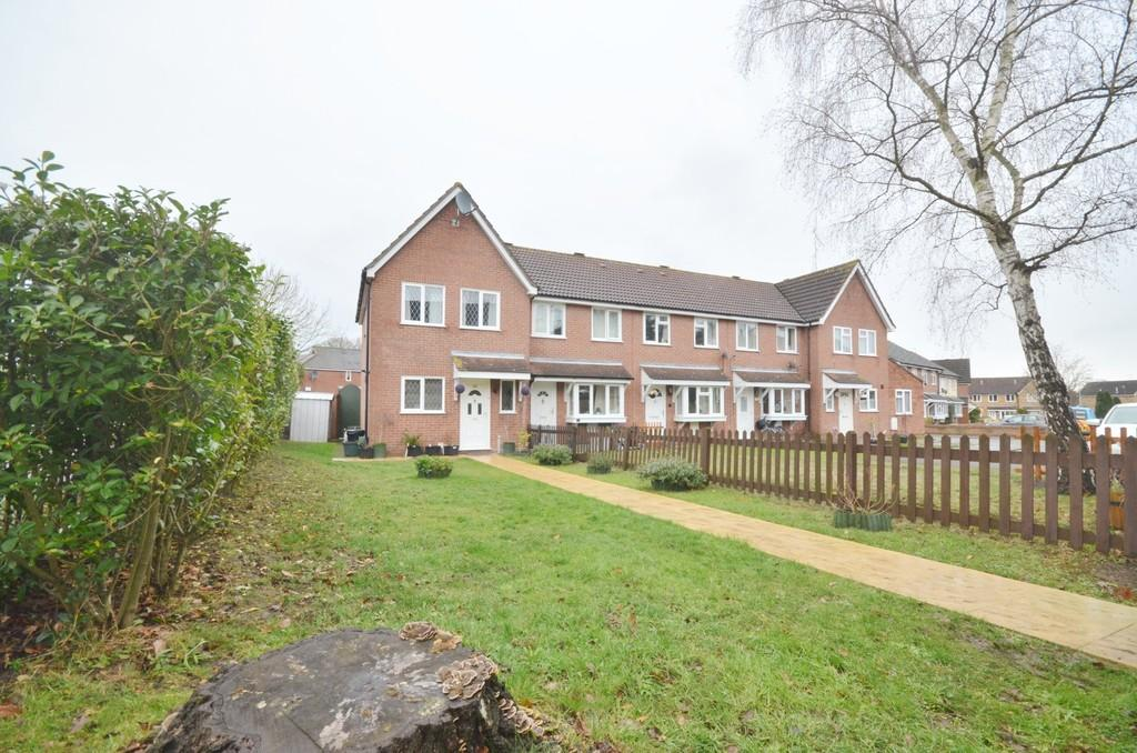 3 Bedrooms End Of Terrace House for sale in Hunters Ridge, Highwoods, Colchester CO4 9QU