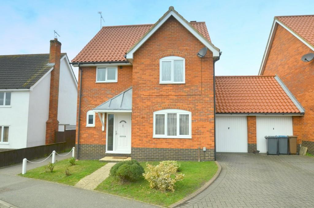 3 Bedrooms Detached House for sale in Bixley Drive, Rushmere St Andrew, IP4 5TX