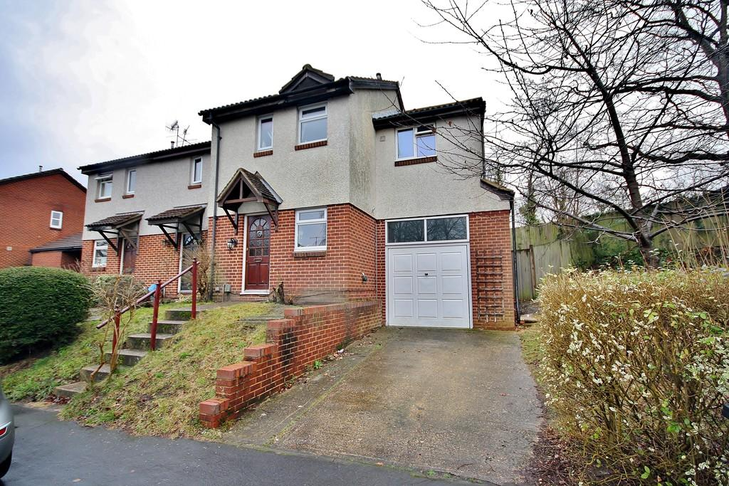 3 Bedrooms End Of Terrace House for sale in Wych Hill Park, Woking