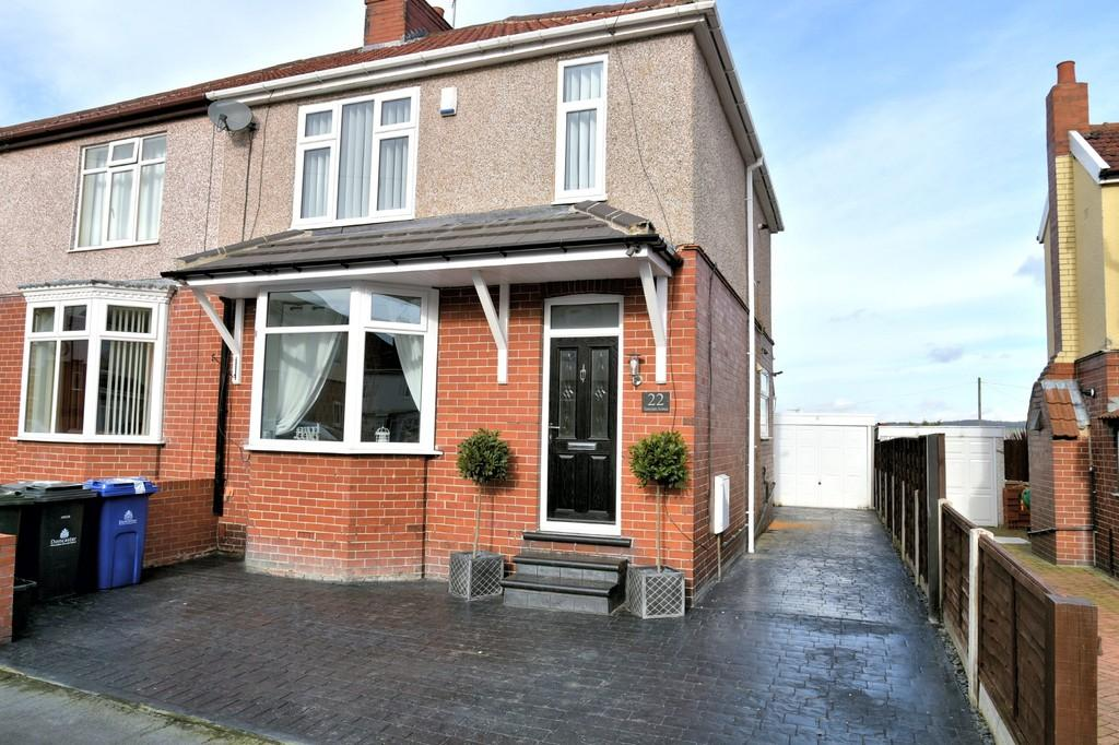 3 Bedrooms Semi Detached House for sale in Tennyson Avenue, Mexborough