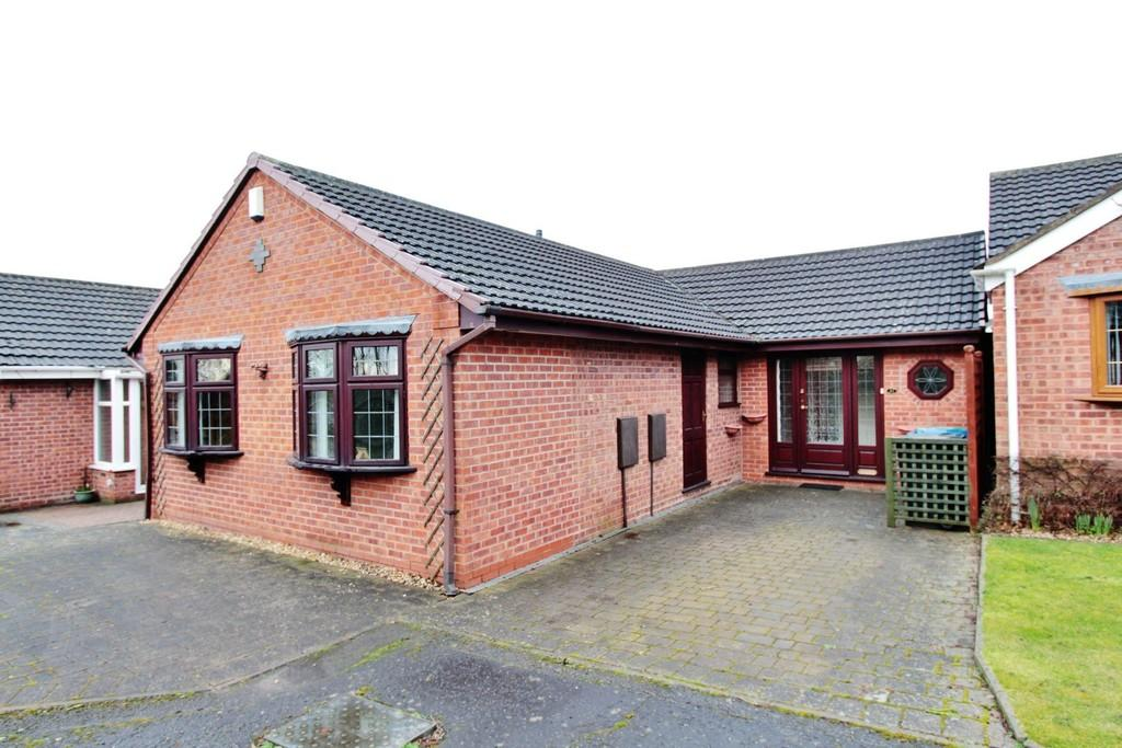 2 Bedrooms Detached Bungalow for sale in Repington Road North, Tamworth
