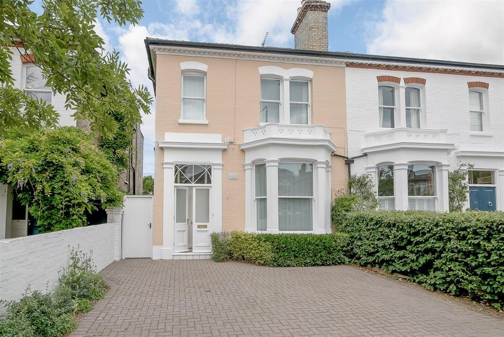 5 Bedrooms Semi Detached House for sale in Castelnau, Barnes