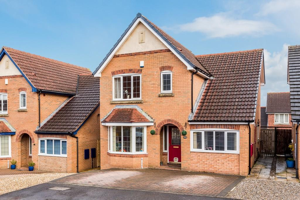 3 Bedrooms Detached House for sale in Millers Croft, BIRSTALL