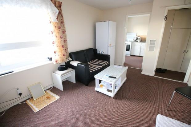 1 Bedroom Flat for sale in Jamieson House, 4 Edgar Road, HOUNSLOW, TW4