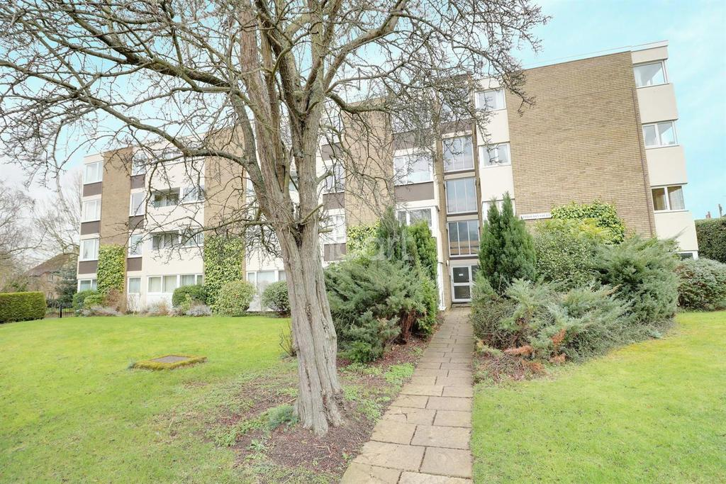 2 Bedrooms Flat for sale in Kimbolton Road, Bedford