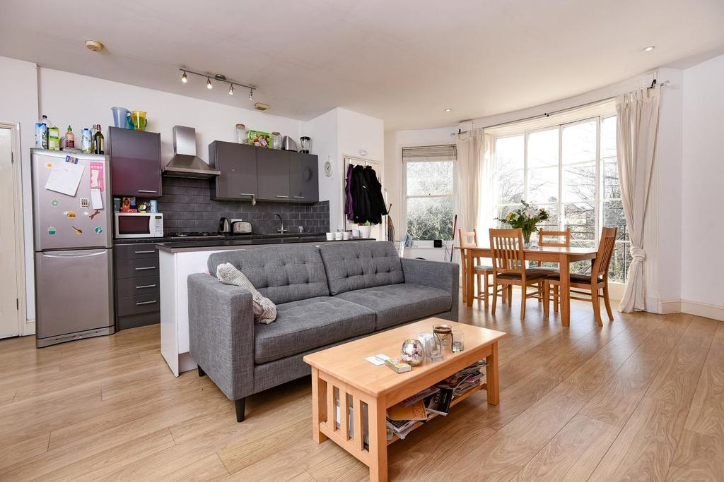 3 Bedrooms Flat for sale in Clapham Road, Clapham