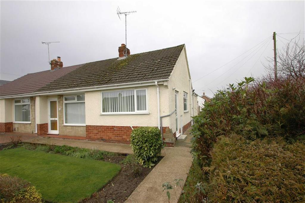 2 Bedrooms Semi Detached Bungalow for sale in Hatchmere Drive, Boughton, Chester