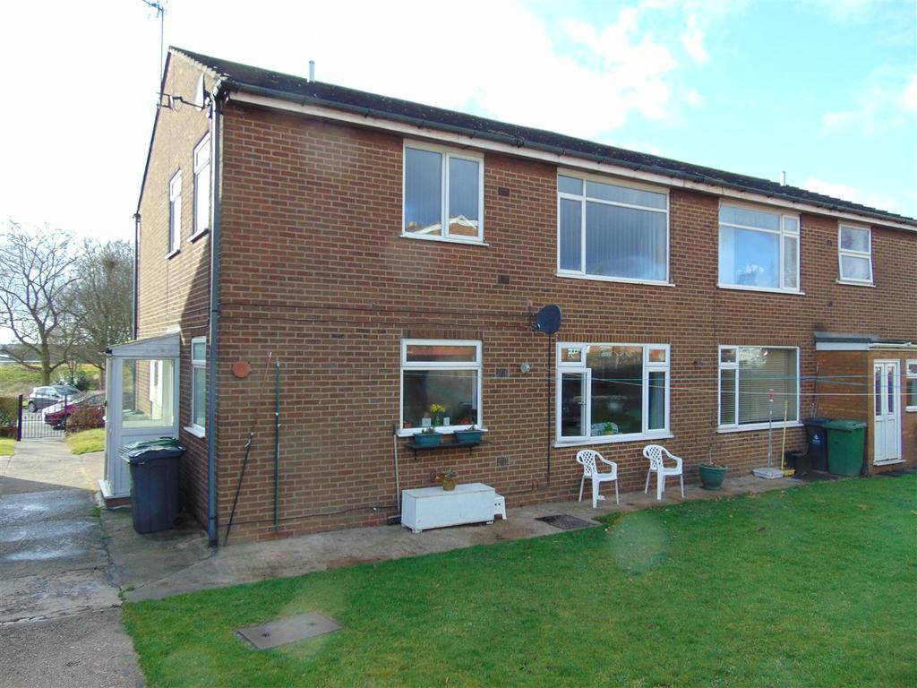 2 Bedrooms Maisonette Flat for sale in Brownhills Road, Walsall