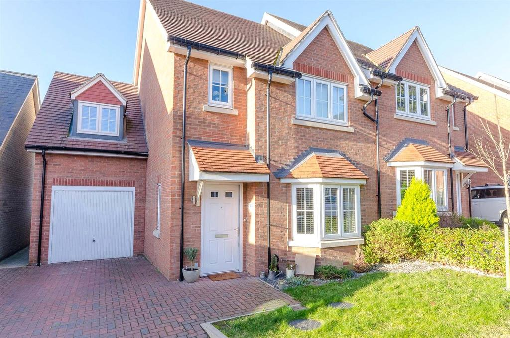 4 Bedrooms Semi Detached House for sale in Hadlow Close, Maidstone, Kent, ME16