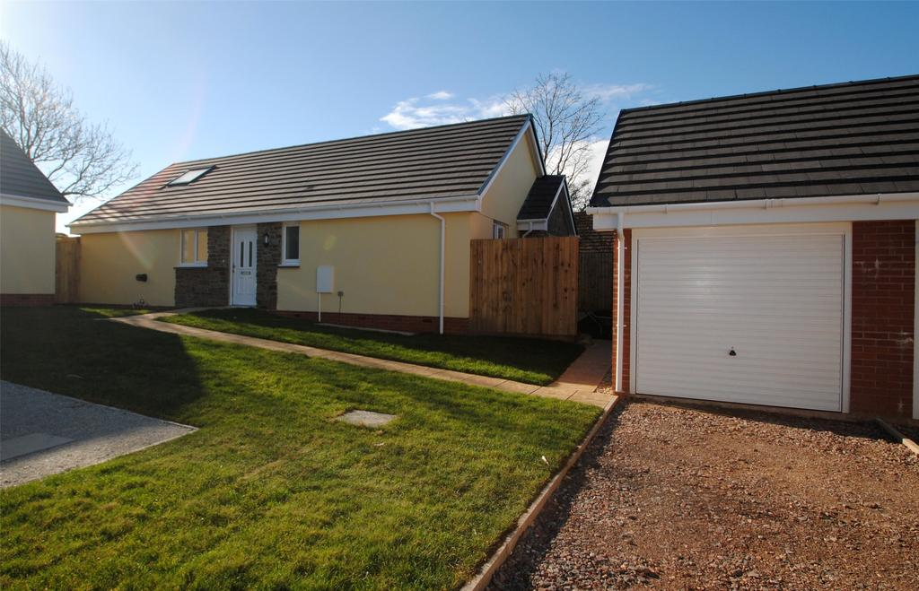 3 Bedrooms Detached Bungalow for sale in Meadow View, Hartland