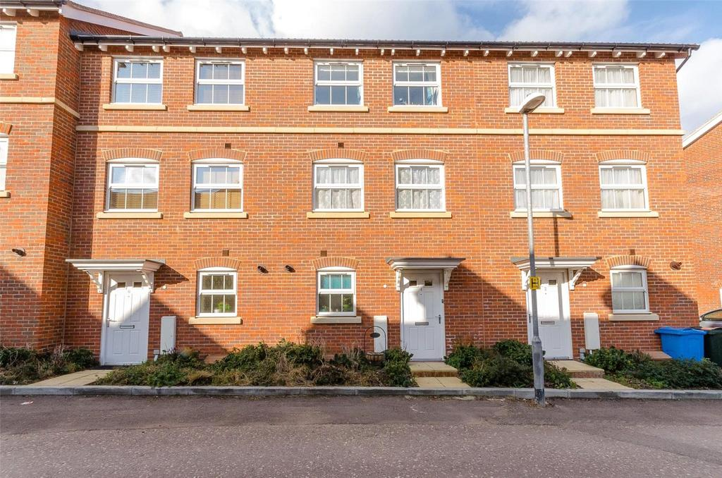 3 Bedrooms Terraced House for sale in Croft Avenue, Sittingbourne, Kent, ME10