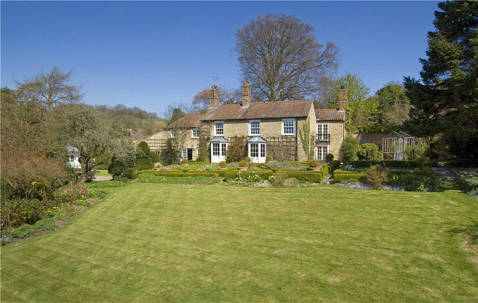 6 Bedrooms Detached House for sale in Ebberston, Scarborough, North Yorkshire, YO13