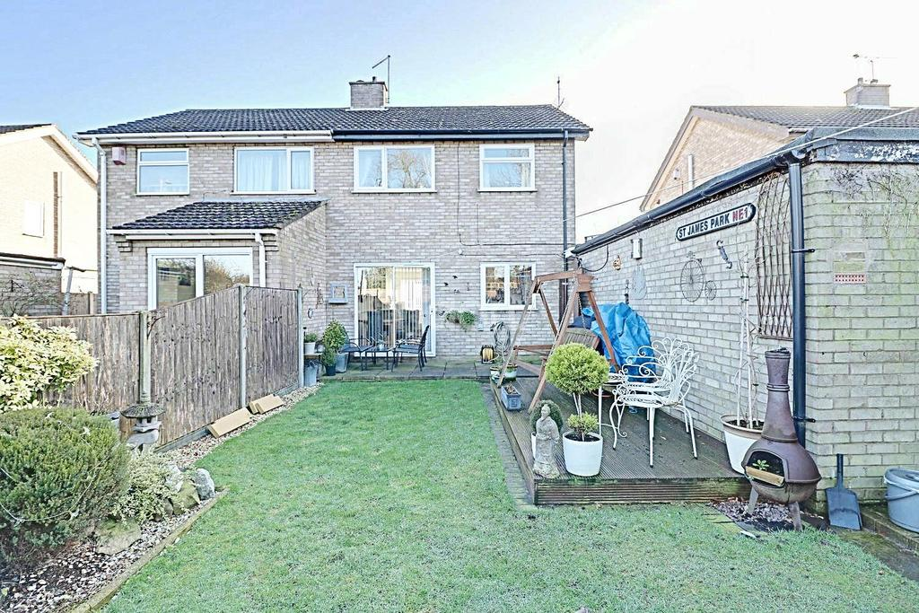 3 Bedrooms Semi Detached House for sale in Middlebrook Road, Lincoln