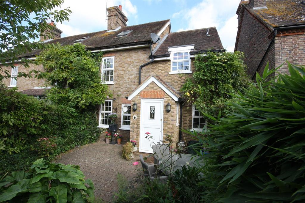 4 Bedrooms End Of Terrace House for sale in Tonbridge Road, East Peckham, Tonbridge