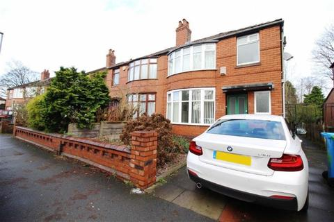3 bedroom semi-detached house to rent - Heyscroft Road, Manchester