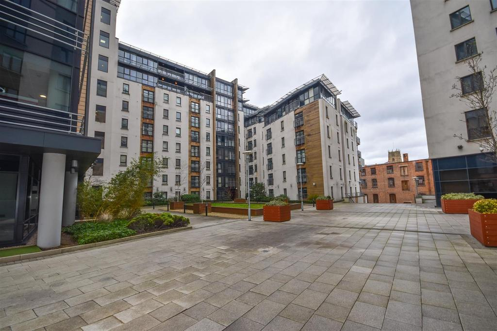 2 Bedrooms Apartment Flat for sale in The Atrium, Waterfront Plaza, Nottingham