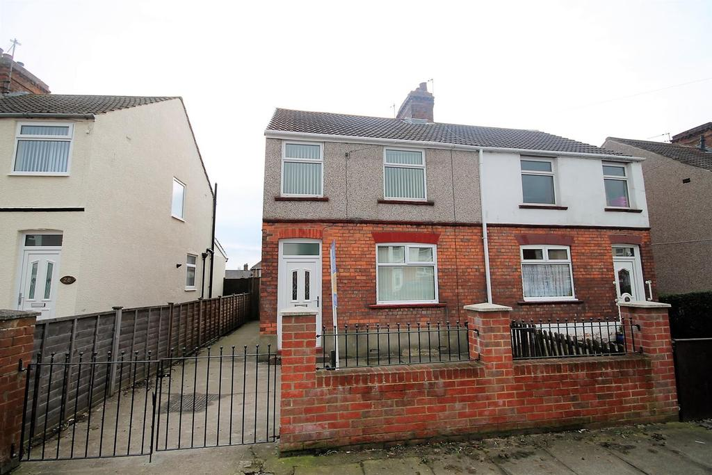 3 Bedrooms Semi Detached House for sale in Imperial Crescent, Norton