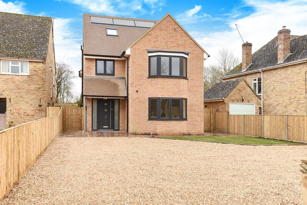 5 Bedrooms Detached House for sale in The Green, Standlake, Witney