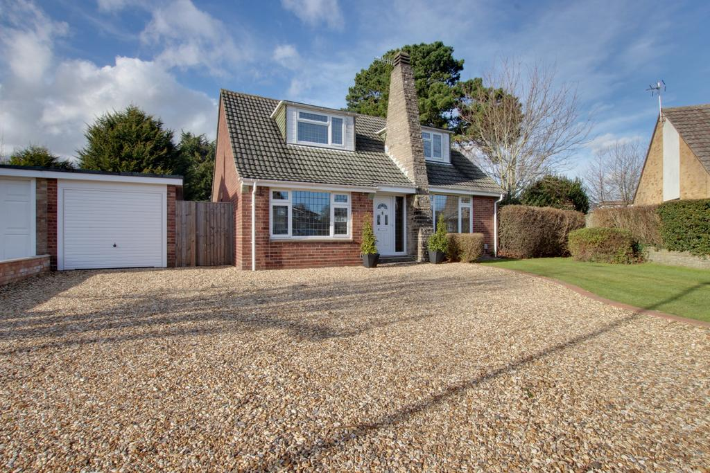 4 Bedrooms Chalet House for sale in Langstone - Havant