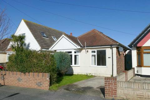 2 bedroom detached bungalow for sale - Hawden Road, Bournemouth