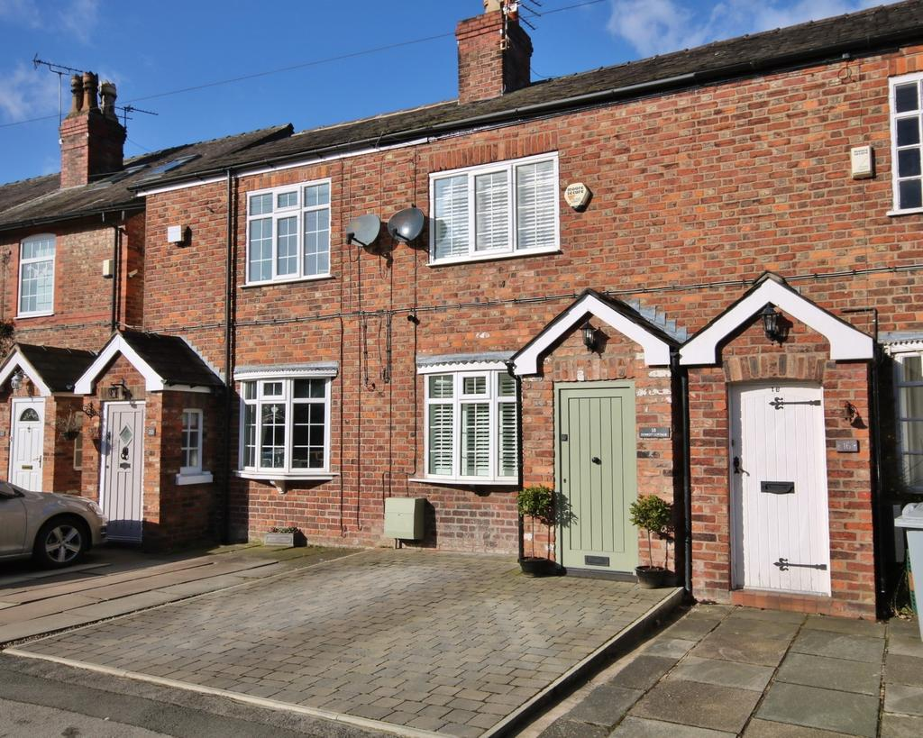 2 Bedrooms Terraced House for sale in Upcast Lane, Wilmslow