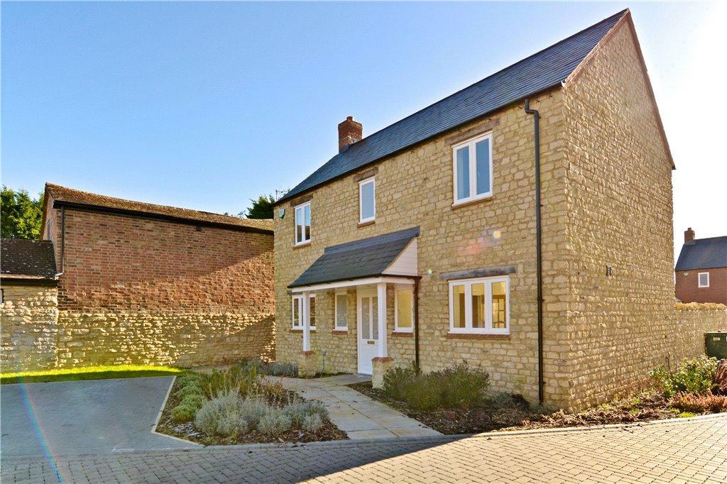 4 Bedrooms Detached House for sale in Chapel Close, Deanshanger, Milton Keynes, Northamptonshire