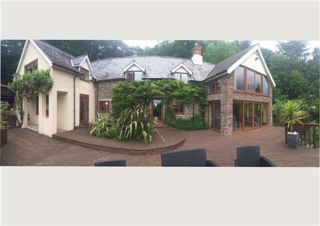 4 Bedrooms Detached House for sale in Evenjobb, Nr PRESTEIGNE, Presteigne, Powys