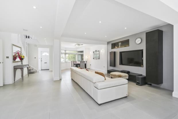 6 Bedrooms Semi Detached House for sale in The Vale, Golders Green, London, NW11