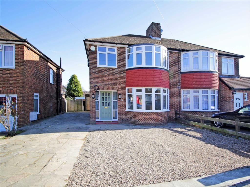 3 Bedrooms Semi Detached House for sale in Ryecroft Road, Petts Wood, Kent