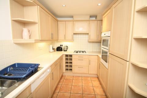 2 bedroom apartment to rent - Bodiham House, Davigdor Road, Hove, BN3