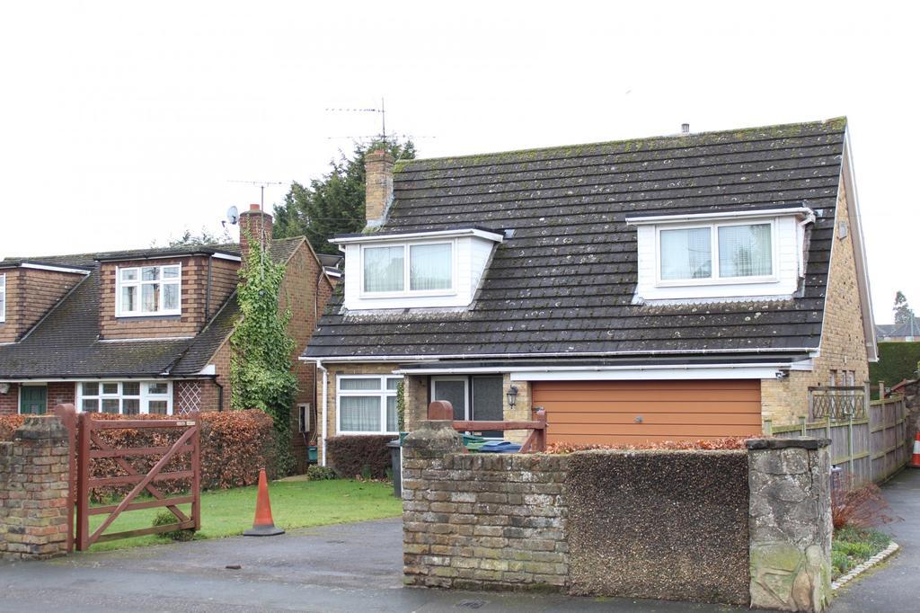 4 Bedrooms Detached House for sale in Oak Tree Road