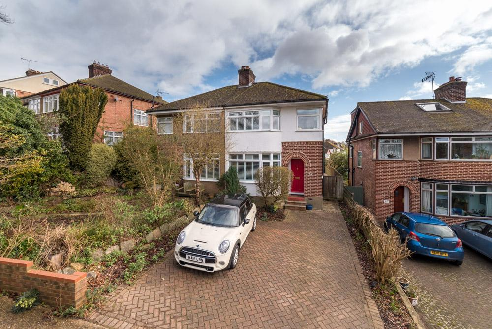 3 Bedrooms Semi Detached House for sale in Billet Lane, Berkhamsted HP4
