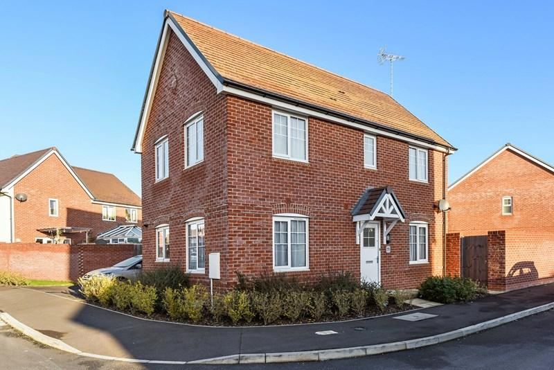 3 Bedrooms Detached House for sale in Olympic Park Road, Andover