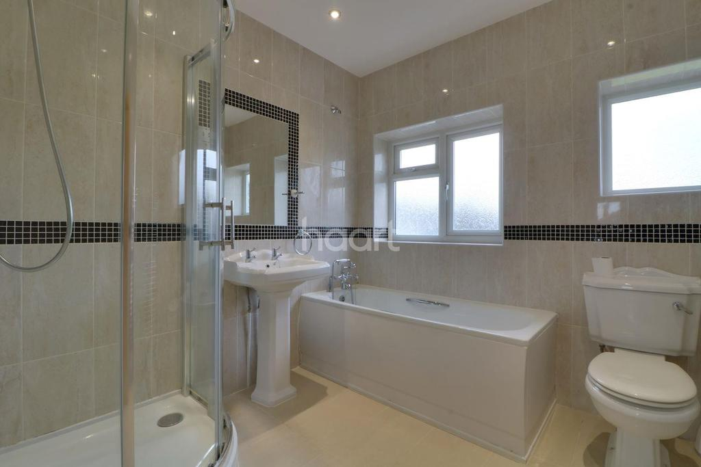 3 Bedrooms Semi Detached House for sale in Ash Grove, Wembley
