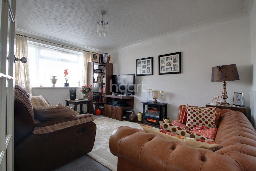 2 Bedrooms Maisonette Flat for sale in Ashen Vale, Selsdon, South Croydon, CR2