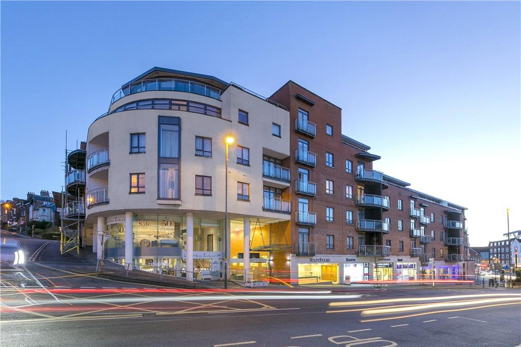 2 Bedrooms Flat for sale in Trinity Gate, Epsom Road, Guildford, Surrey, GU1