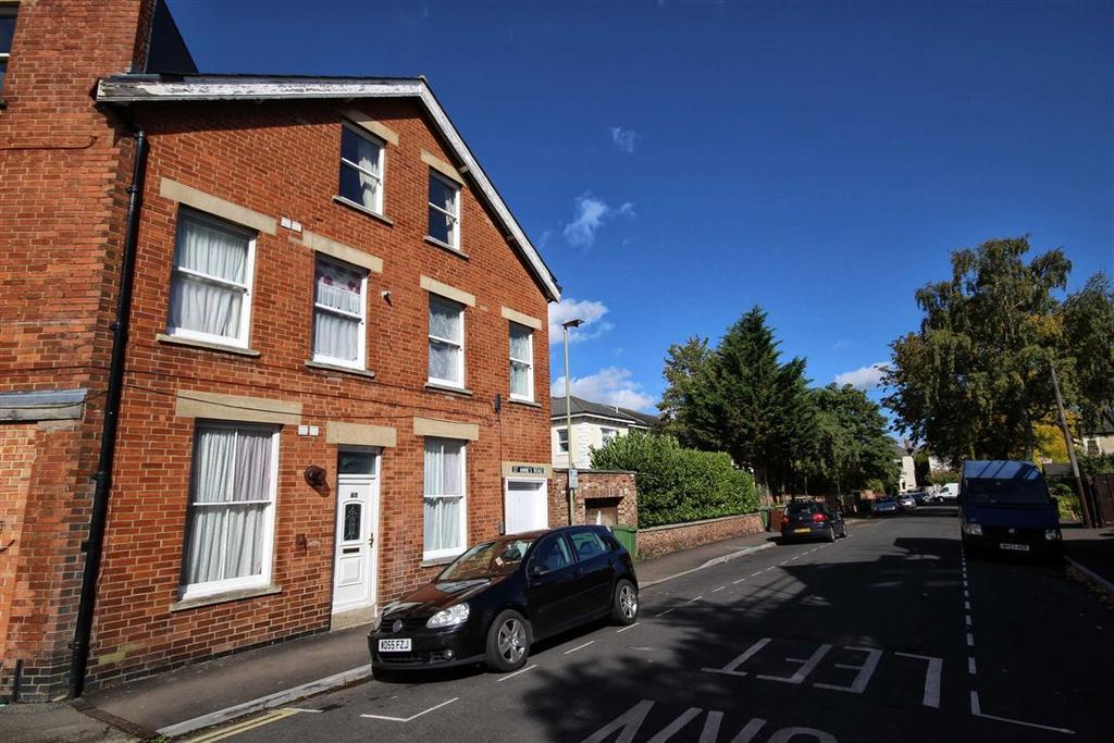 1 Bedroom Flat for sale in St Annes Road, Fairview, Cheltenham, GL52