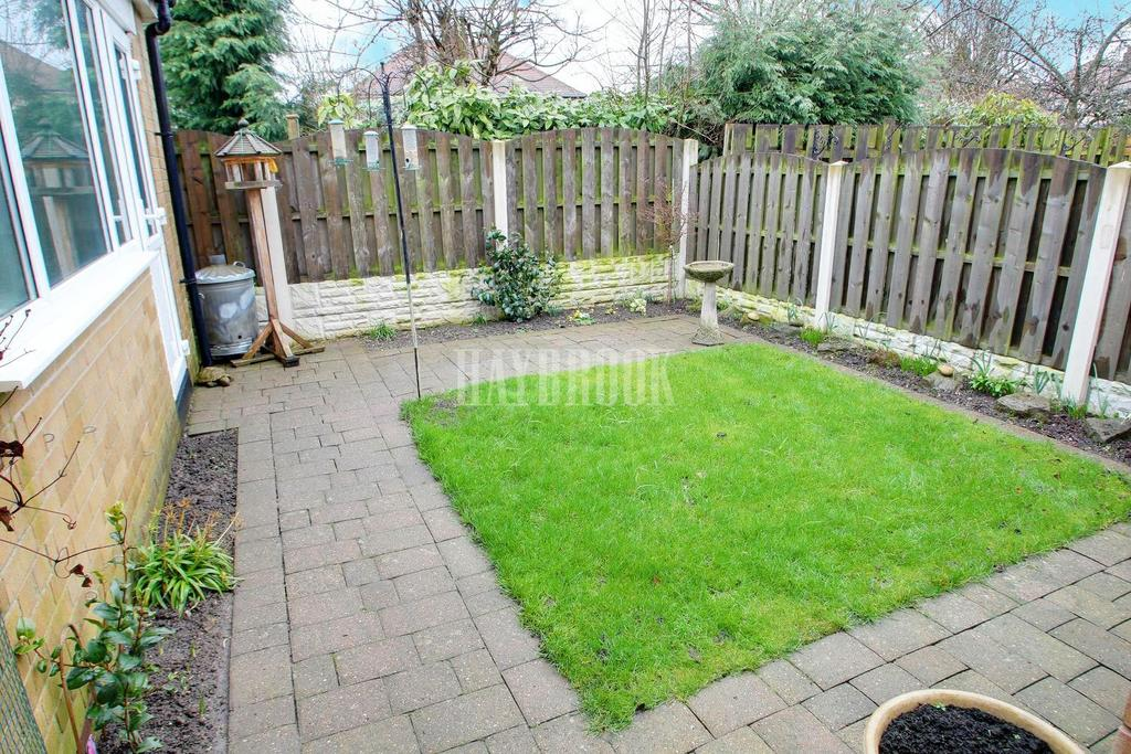 3 Bedrooms Semi Detached House for sale in Crispin Gardens, Gleadless