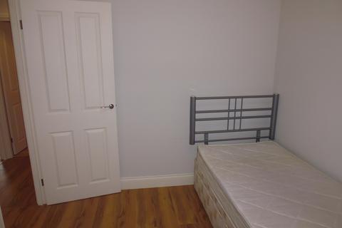 2 bedroom flat to rent - 55 Deneholm