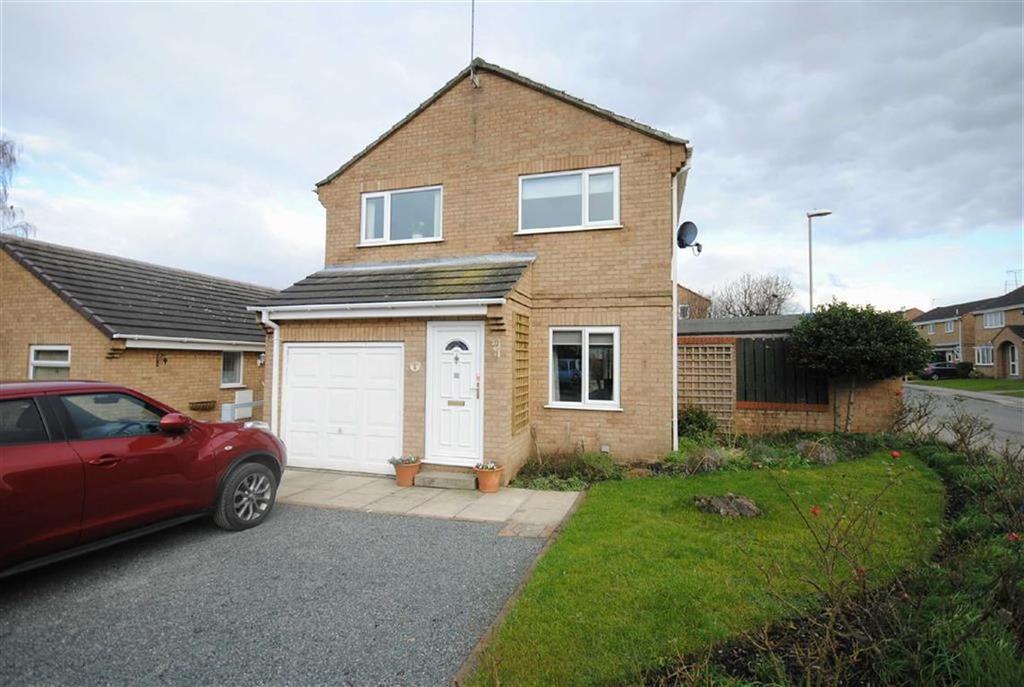 3 Bedrooms Detached House for sale in Showfield Close, Sherburn in Elmet, Leeds, LS25
