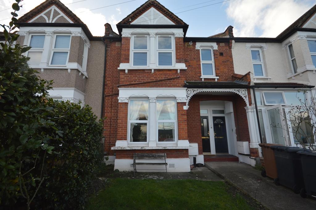 1 Bedroom Flat for sale in Birkhall Road London SE6