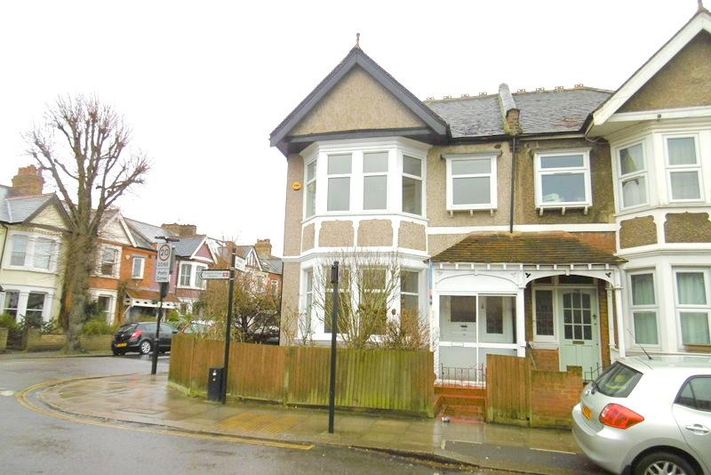 4 Bedrooms House for rent in Drayton Bridge Road, London