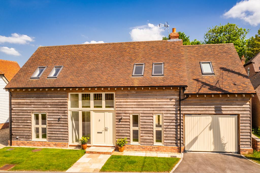 yew tree barn, chilton, ox11 4 bed property with land £799,950image 1 of 20