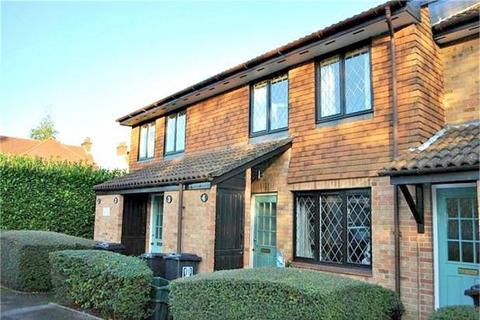 1 bedroom flat to rent - Grasmere Close, WATFORD, Hertfordshire