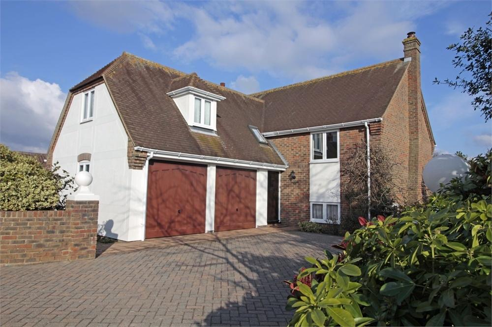 5 Bedrooms Detached House for sale in Stores Lane, Tiptree, Essex